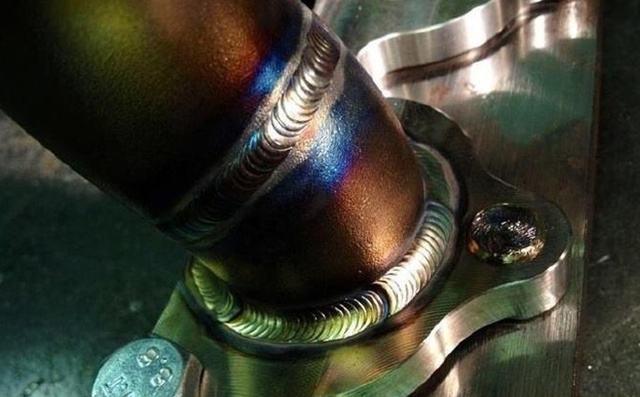 现场实拍优秀氩弧焊中的鱼鳞焊技术视频