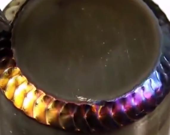 普通电焊能焊出鱼鳞焊?今天老师傅用视频