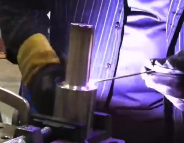 宋老师是怎么用氩弧焊摆出来的鱼鳞纹视